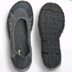 Nike Ballet Flats Size 7 Grey/Gray